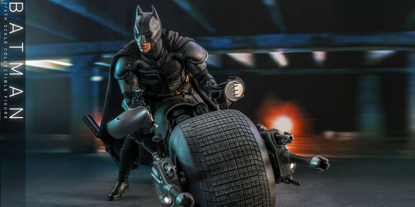 Batman y Bat-Pod de The Dark Knight pisan el acelerador en Hot Toys